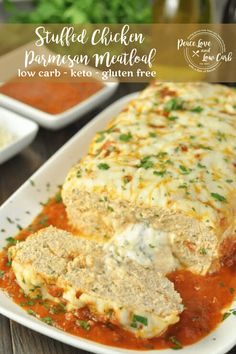 This Stuffed Chicken Parmesan Keto Meatloaf is rich, cheesy, keto comfort food, sure to become a new favorite for everyone. Lasagna and chicken parm in one! Low Carb Crockpot Chicken, Stew Chicken Recipe, Crockpot Recipes, Keto Recipes, Chicken Recipes, Free Recipes, Keto Chicken, Dinner Recipes, Cheesy Chicken