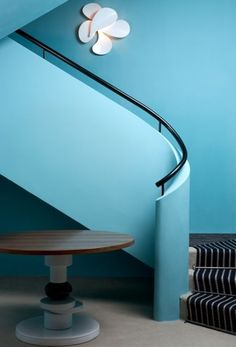 india mahdavi — architecture and design - Monte Carlo Hotel - I like the blue walls. Lighting by PSLab. Interior Stairs, Best Interior, Interior And Exterior, Design Café, House Design, Architecture Design, Modern Art Deco, House Stairs, Top Interior Designers