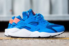 NIKE AIR HUARACHE (PHOTO BLUE MANGO) - Sneaker Freaker