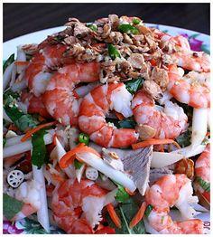 Vietnamese Lotus Root Salad (http://www.theravenouscouple.com/2009/05/vietnamese-lotus-root-salad-goi-ngo-sen.html)