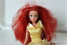 Fix Barbies Hair. How to get Barbie's hair under control.   If you have a little girl who brings a barbie to you and says, mommy can you fix her hair, you will appreciate this:)