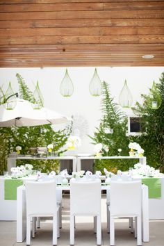 We die for beautiful bridal showers and this one does NOT disappoint!! Today we are so inspired by this relaxing spa bridal shower!