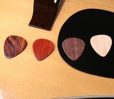 Guitar Pick - Guitar Player gift idea - set of 4 wood guitar picks - Plectrum - cocobolo paduak walnut maple - excellent tone, Guitar Gift Bass, Custom Guitar Picks, Best Guitar Players, Guitar Gifts, Entertainment, Wooden Gifts, Vintage Guitars, Rock, Retro