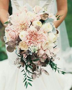 Se acercan las bodas de #otoño ❤ y nos encantan estas tonalidades para tu #ramo, visita nuestra página web www.noviaspasha.com y encuentra el directorio de nuestros excelentes proveedores en flores y decoración, ademas al ser suscriptora obtén descuentos especiales #Inspiracion #ideasparabodas #WeddingIdeas #Noviaspasha #Lovely #WeddingFlowers #Bouquet #weddingbouquet #fallwedding