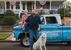 """For Sale: A Cottage That Got a Makeover on HGTV's Home Town - Hooked on Houses - - A cottage that got a makeover by Ben and Erin Napier on the second season of the hit HGTV show """"Home Town"""" is for sale in Laurel, Mississippi. Modern Courtyard, Courtyard House Plans, Southern Homes, Coastal Homes, Southern Charm, Winter Dog House, Home Town Hgtv, Erin Napier, Amigurumi"""