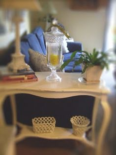 How to paint furniture shabby chic. I promise I will use this information some day very soon.