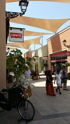 La Zenia Boulevard ist die große Shopping Mall der Region und immer einen Besuch wert.