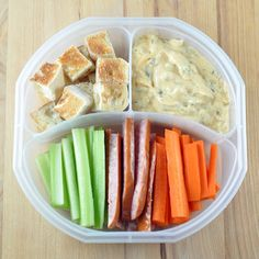 Veggies, Bread, and Dipping Sauce
