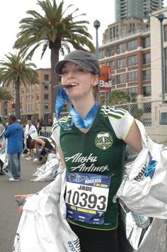 Portland Timbers fan finishes San Francisco marathon in style! - Jade Levinson