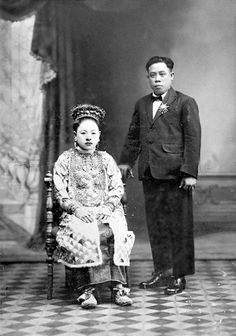 STUDIO PORTRAIT OF PERANAKAN BRIDE AND GROOM