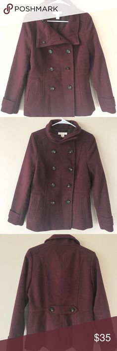 H&M Bellhop Coat Large, Maroon colored bellhop trench coat. Super warm! Only worn once to a Christmas event. Pairs very nicely with a casual but classy party or work look. H&M Jackets & Coats Trench Coats
