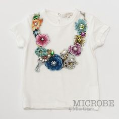 T-SHIRT WITH FLOWER NECKLACE PRINT. Sale 50% off Spring&Summer Collection!