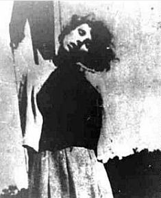 The 24-year-old Elisabeth Becker was executed by the allies as a German war criminal. She had worked as a guard in the Stutthof women's camp at SK-III . She was accused of personally selecting women and children for the gas chamber. She and the other defendants were all found guilty, sentenced and hanged.