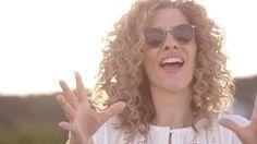 Juli Fabian & Zoohacker - Jazz & Wine (OFFICIAL VIDEO) Chris De Burgh, Jazz Music, Karaoke, Lady In Red, Singer, Actors, Youtube, Queens, Artists