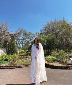 "Fatima Aqil Lifestyle Blogger on Instagram: ""Nature is the perfect pop of color 🕊 @suffusebysanayasir @bg_jewels #pakistanfashion #pakistanidesigner #pakistanidesignerwear…"" Pakistan Fashion, Pakistani Designers, Blogger Style, Color Pop, Jewels, Lifestyle, Wedding Dresses, Nature, How To Wear"