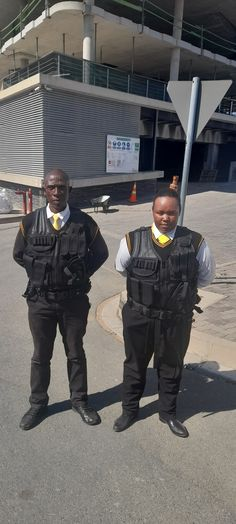 Security Service, Kos, Canada Goose Jackets, Winter Jackets, Fashion, Winter Coats, Moda, Winter Vest Outfits, Fashion Styles