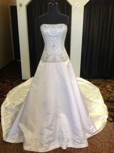 Mon Cheri Wedding Dress $349