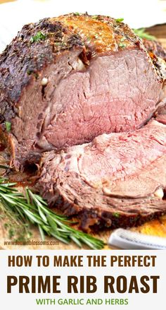 christmas dinner This Prime Rib Roast Recipe is elegant, succulent, easy to make and perfect for the holidays! This Herb Crusted Prime Rib Roast is tender, juicy and cooked to perfection! Plus tips for buying and cooking Prime Rib! Roast Beef Recipes, Rib Recipes, Cooking Recipes, Roast Beef On Bbq, Recipes Dinner, Prime Roast Beef, Cooking Prime Rib Roast, Smoked Prime Rib Roast, Perfect Roast Beef