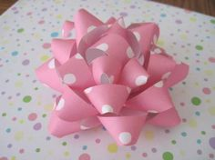 bow tutorial, polka dots, gift bows, paper gifts, gift wrapping, paper bows, homemade bows, scrapbook paper, make a bow