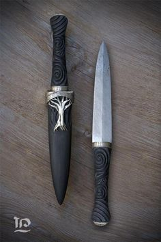 How To Care For Your Survival Knife – Metal Welding Pretty Knives, Cool Knives, Swords And Daggers, Knives And Swords, Katana, Armas Ninja, Collector Knives, Shuriken, Metal Welding