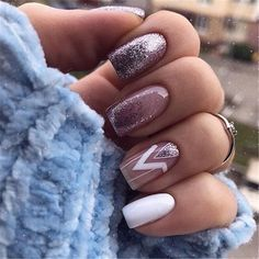 Beautiful Acrylic Short Square Nails Design For French Manicure Nails. When making nails, most women will have a hard time choosing which shape of nails French Manicure Nails, Diy Nails, Cute Nails, Pretty Nails, Manicure Tips, Square Nail Designs, Short Nail Designs, Nail Art Designs, Nails Design