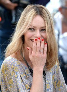 Vanessa Paradis, Engagement Rings, Fashion, Other, Enagement Rings, Moda, Wedding Rings, Fashion Styles, Diamond Engagement Rings