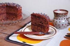 {mocha fudge cake with coffee icing!} MmmMmmm