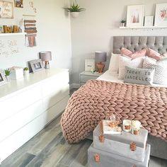 Perfect Dream Room Ideas For Girl Bedroom Designs « mistertekno. Bedroom Decor For Teen Girls, Cute Bedroom Ideas, Girl Bedroom Designs, Teen Room Decor, Room Ideas Bedroom, Home Decor Bedroom, Bedroom Inspo, Teen Room Designs, Teen Rooms Girls