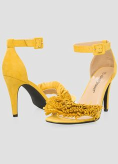 Yellow Sandals, click here http://fave.co/1sBxw2D