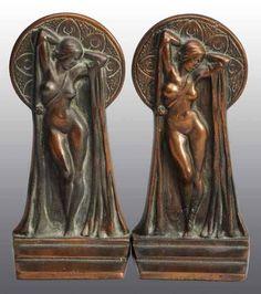 Pair of Bronze Art Deco Nude Bookends. Art Deco Decor, Art Deco Stil, Art Deco Era, Art Deco Design, Art Nouveau, Pablo Picasso, Estilo Art Deco, Art Deco Furniture, Art Deco Fashion