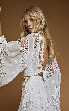 If you're looking for a wedding dress that's as wild and romantic as a full moon rising on a warm autumn night, the Harvest Moon gown could be the one. Luxury Wedding Dress, Classic Wedding Dress, Bohemian Wedding Dresses, Fall Wedding Dresses, Bridal Dresses, Wedding Gowns, Autumn Wedding, 21 Dresses, Boho Chic