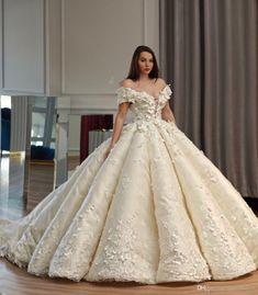 Saudi Dubai Princess Wedding Dress Off Shoulder Beads 3D Floral Appliques  Tule Ball Gown Wedding Dresses Charming Arabia Bridal Wedding Gown Ball  Gown Prom ... 78ae9e08fb95