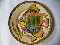 ABruxinhaCoisasGirasdaCarmita: Prato barro pintado á mão (peixe)