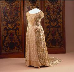 Gala dress, by Premet, c. 1911, Het Loo Palace (on loan from the Royal Collections, The Hague). Photo: Robert Mulder. Worn by Queen Wilhelmina of the Netherlands.
