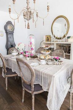 Gauzy table cloth