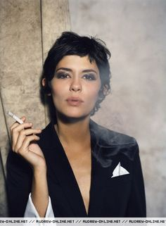 Minus the nasty cigarette, I want this hair!