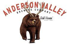 """Você sabia?    O mascote da cervejaria norte-americana Anderson Valley é um animal fictício que é uma mistura de um urso marrom com um veado (cervo). E ele foi carinhosamente batizado de """"Beer"""", que além de significar """"cerveja"""" é o resultado da junção das palavras """"bear"""" (urso) e """"deer"""" (cervo). """"Bear"""" + """"Deer"""" = """"Beer"""". ;)"""