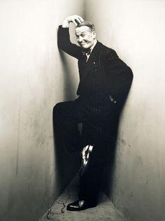 Irving Penn, Corner Portrait, Maurice Chevalier, New York, 1948 for Vogue Magazine.