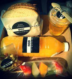 BOX LUNCH PERSONALIZADO: Snack Salado, Snack Dulce, Bebida Natural y Sándwich.