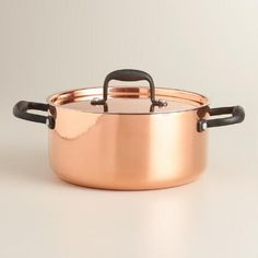 An essential for home chefs, our professional-quality dutch oven is crafted of heavy-gauge stainless steel and copper for superior heat conductivity and temperature control.