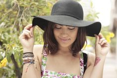 Look Desenrolado: Flower power #floppyhat