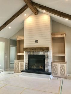 6 Judicious Clever Ideas: Fireplace Shelves Joanna Gaines fireplace hearth with built ins.Slate Fireplace With Built Ins. House Design, Home Living Room, Farm House Living Room, House, Home, Building A House, Home Remodeling, House Plans, New Homes