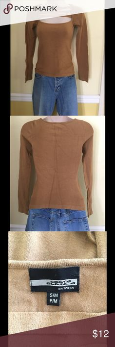Costa Blanca brown long sleeve sweater, size S/M Unique front brown long sleeve sweater by Acosta Blanca. Size S/M, M/P. Only worn once. Excellent condition. The marks you see on the back of the sweater are lines from being folded in my drawer. Costa Blanca Knitwear Sweaters