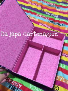 Caixa livro - porta treco **essa foi usada para colocar roupinhas da boneca polly
