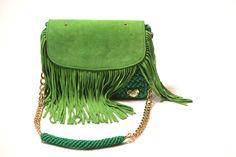 4-crochet bag da spalla con frange in camoscio e fodera con tasca in raso verde