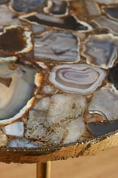 A look at agate home accessories a hot design trend. Here are ideas to rock your style with agate. Dining Furniture, Home Furniture, Furniture Ideas, Resin Furniture, Dream Furniture, Bathroom Furniture, Modern Furniture, Furniture Design, Boho Decor Diy