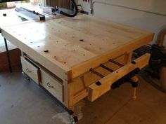 Outfeed/assembly/workbench