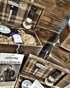 unique groomsmen gifts?  ultimate idea for groomsmen - barn wedding rustic wedding vintage wedding shave kits #wedding #groomsmen