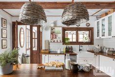 Rustic kitchen photos by dziurdziaprojekt i homify Rustic Kitchen, Vintage Kitchen, Kitchen Dining, Cozinha Shabby Chic, Old Chairs, Salon Style, Kitchen Photos, Home Decor Styles, Kitchen Furniture