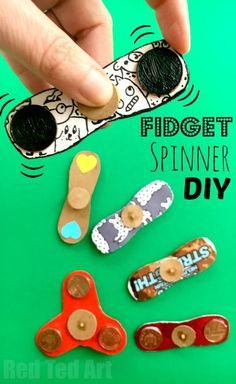 How to Make a Fidget Spinner DIY without bearings. Fidget Spinner DIY - how to make a fidget spinners. If the Hand Spinner Fidget Toy craze has hit your home. and you either can't or won't buy one of the kids. or maybe your fidget spinner is stuck in th Kids Crafts, Summer Crafts, Crafts To Do, Projects For Kids, Diy For Kids, Craft Projects, Quick Crafts, Beach Crafts, Easter Crafts